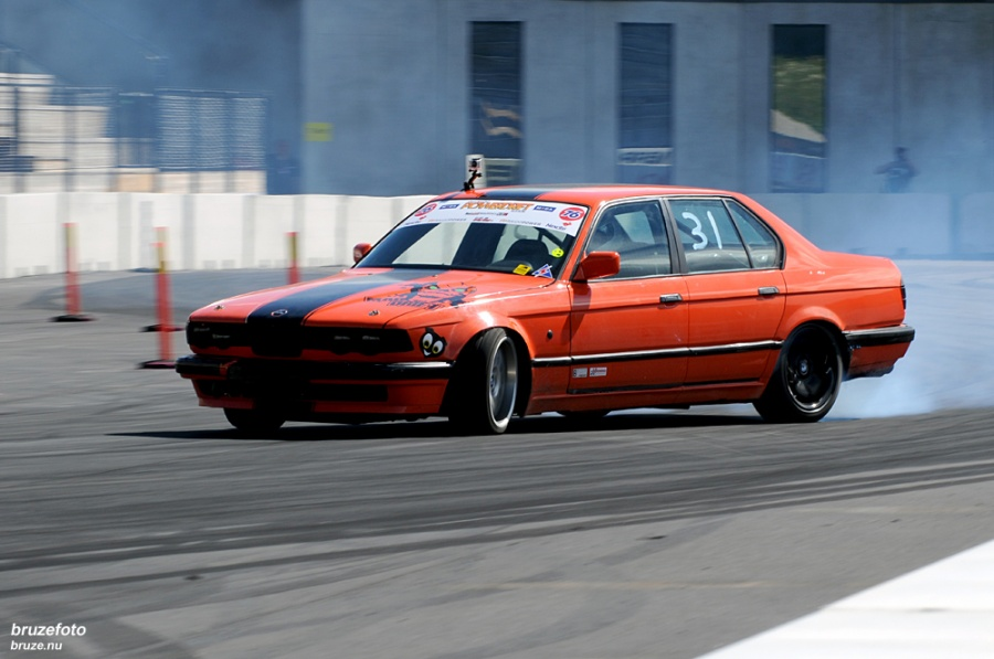 BMW E32 Drifting BMW